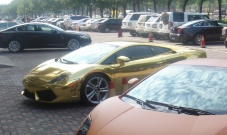 Bling! Lamborghini Gallardo is Gold in China