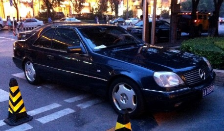 Spotted in China: W140 Mercedes-Benz 500 SEC