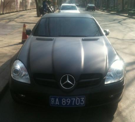 Mercedes-Benz SLK is matte black in China