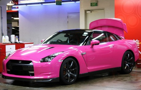 Nissan GT-R is shiny pink in China