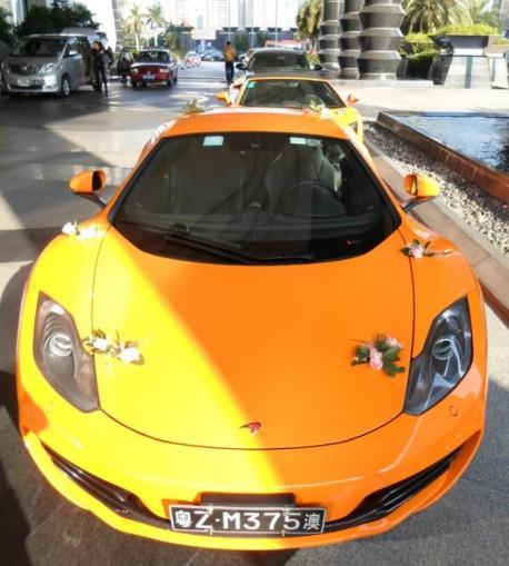McLaren MP4-12C & Lamborghini Gallardo are Orange in China