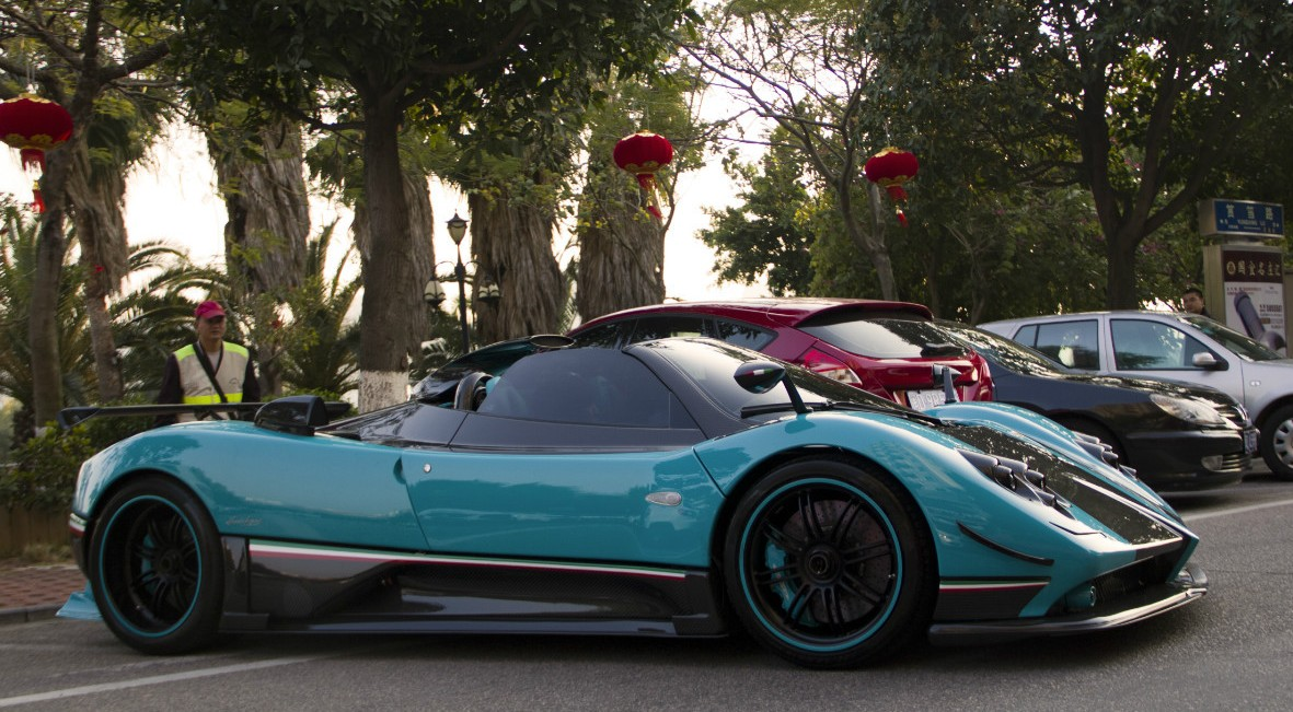 spotted in china: close up to the one-off pagani zonda uno