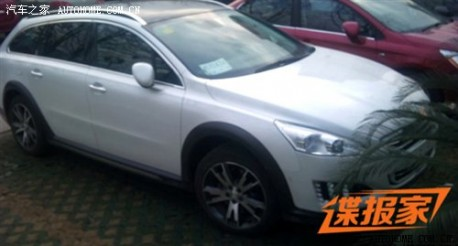 Spy Shots: Peugeot 508 RXH pops up in China