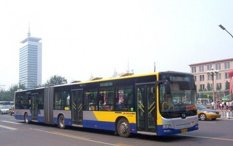 More buses in Beijing to offer WiFi