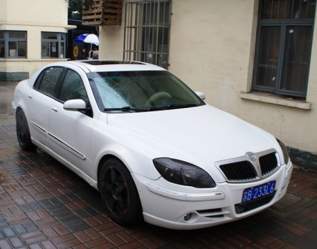 Brilliance BS4 looks good in Rainy White in China