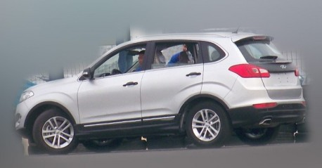 Spy Shots: Chery T21 SUV seen testing in China