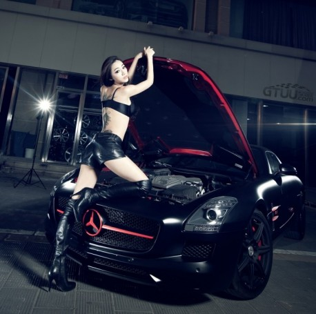 chine-babe-benz-sls-4