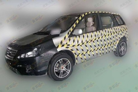 Spy Shots: Dongfeng-Liuzhou D20 SUV testing in China