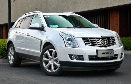 Spy Shots: Dongfeng-Liuzhou V20 does the Cadillac SRX in China