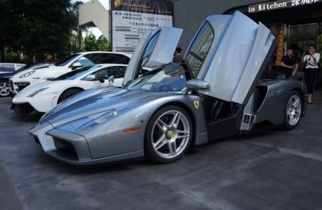 Ferrari Enzo is Gray in China
