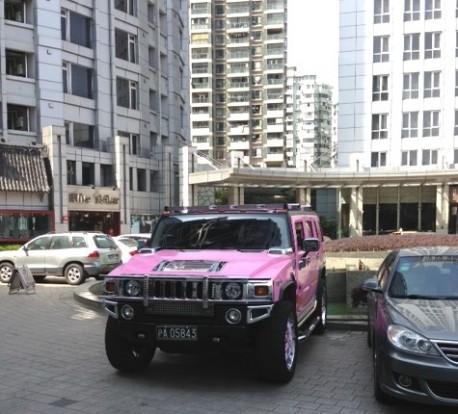 Hummer H2 is Pink in China
