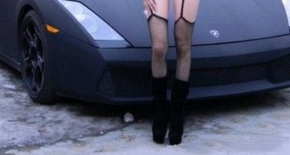 Lamborghini heats up Chinese babe, in the Snow