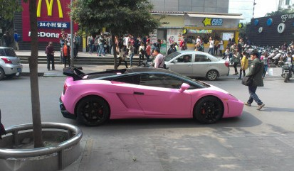 Lamborghini Gallardo is matte black & a bit Bling in China
