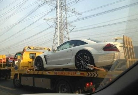 Spotted in China: Mercedes-Benz SL 65 AMG Black Series, on a Truck