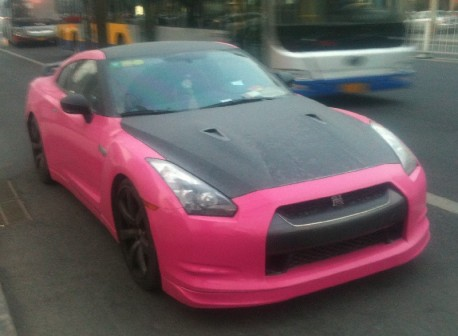 Nissan GT-R is Pink & Black in China