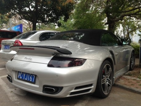 Porsche 911 Turbo Cabriolet with a body kit in China
