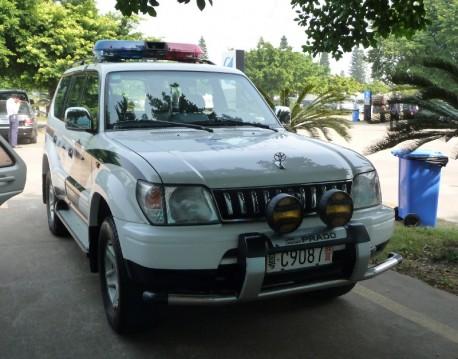 Toyota Land Cruiser Prado is a Police Car in China
