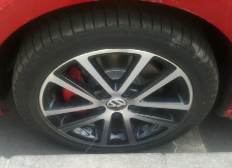 Spy Shots: Volkswagen Sagitar GLI is Naked in China