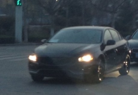 Spy Shots: Volvo S60L testing in China