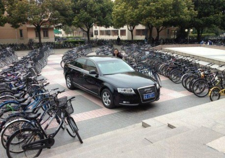 Audi driver in China can't get out