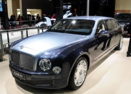 The massive Carat 65 Bentley Mulsanne armoured limousine hits the Shanghai Auto Show