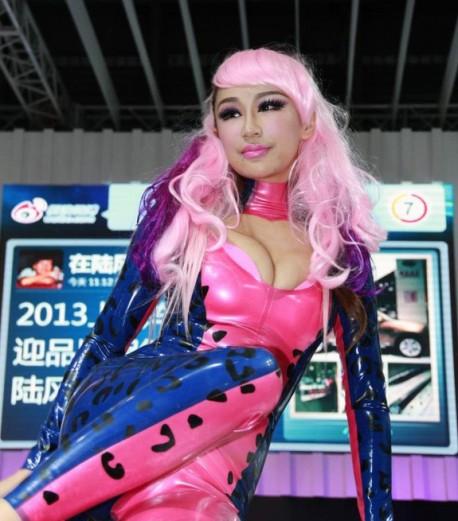 catwoman-china-car-girl-shanghai-1