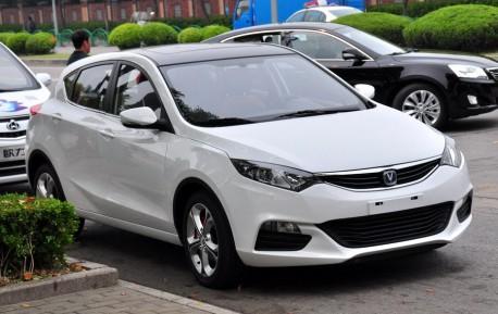 Chang'an Eado XT arrives at the Shanghai Auto Show