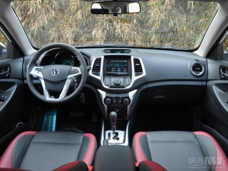 changan-eado-xt-china-white-3