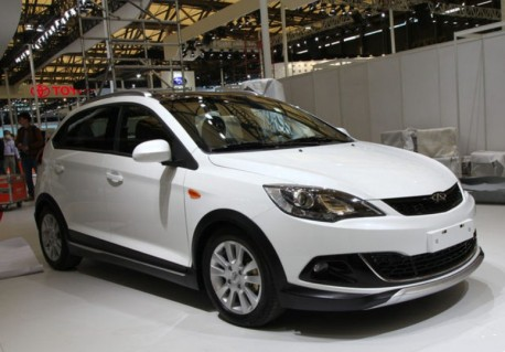Chery Fulwin 2 Cross arrives at the Shanghai Auto Show