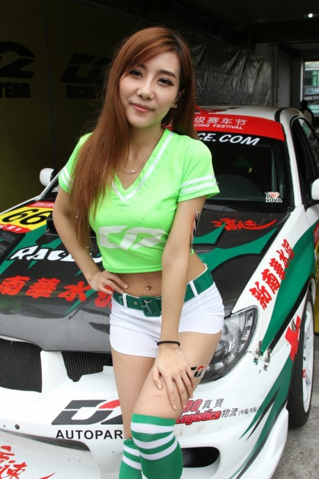 china-track-girls-5