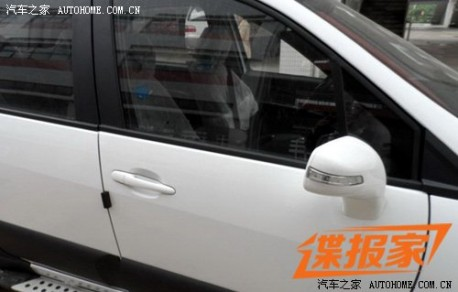 Spy Shots: new Dongfeng-Fengxing Jingyi MPV is Naked in China