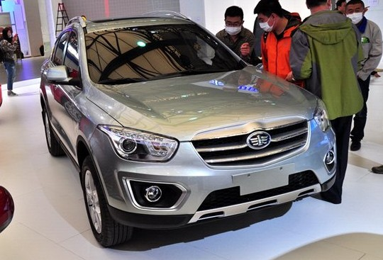 FAW-Besturn X80 SUV arrives at the Shanghai Auto Show