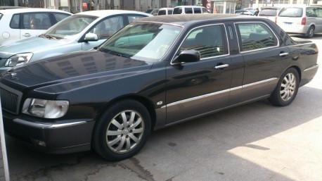Spotted in China: first generation Hyundai Equus Limousine