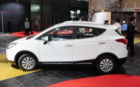 JAC Heyue S30 arrives at the Shanghai Auto Show