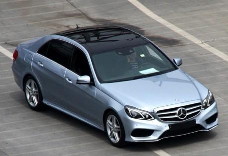 New Mercedes-Benz E-L arrives at the Shanghai Auto Show
