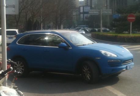 Porsche Cayenne is Baby Blue in China