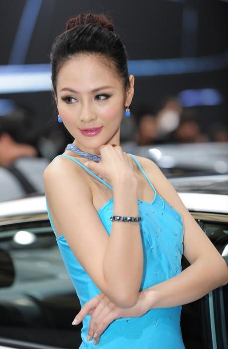 shanghai-china-car-babes-2-5