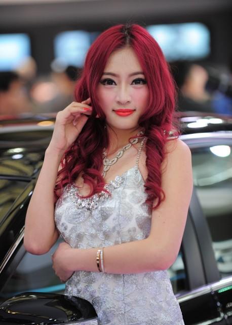shanghai-china-car-babes-2-6