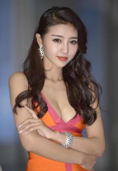 shanghai-china-car-babes-2-7