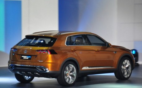 Volkswagen CrossBlue Coupe concept debuts at the Shanghai Auto Show