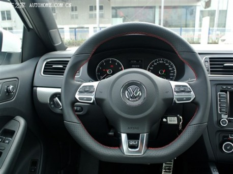 Volkswagen Sagitar GLI arrives at the Dealer in China