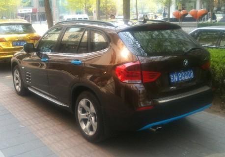 bmw-brown-blue-china-4