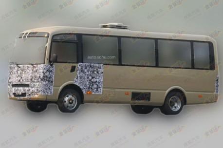 Spy Shots: Chery going into minibuses, clones the Nissan Civilian