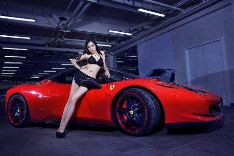 china-ferrari-babe-1-1