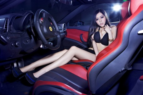 china-ferrari-babe-1-2