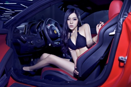 china-ferrari-babe-1-4