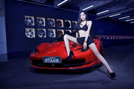 china-ferrari-babe-1-9