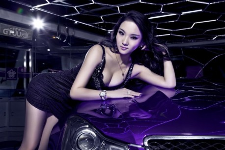 Chinese babe is Happy with a Purple Mercedes-Benz C63 AMG