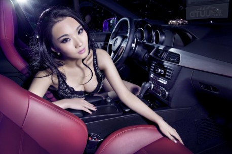 chinese-babe-benz-c63-6