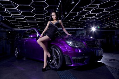 chinese-babe-benz-c63-7